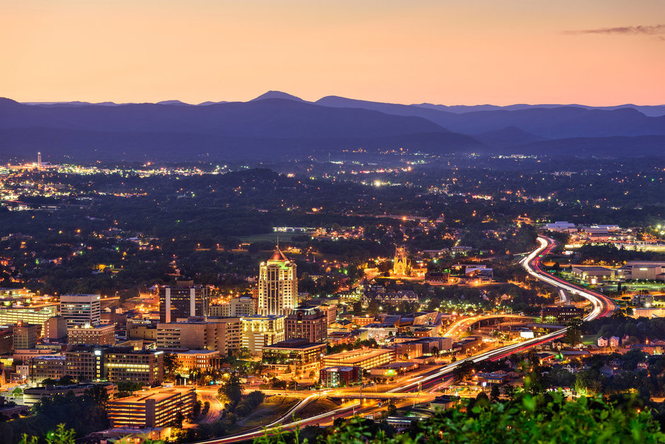 Photograph of the Roanoke skyline